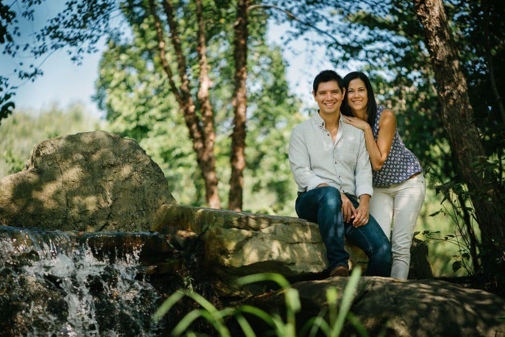 Familienfotograf Lörrach Freiburg Paar Wasserfall