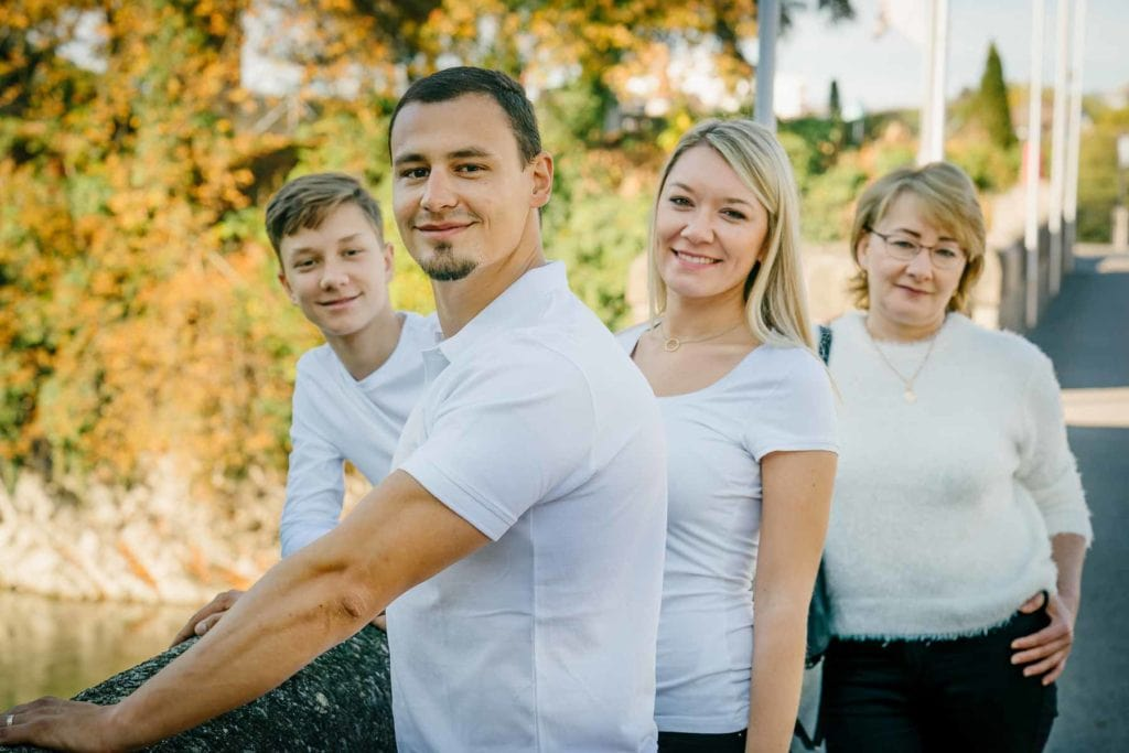 Familienfotograf Lörrach Freiburg Basel Familie hintereinander